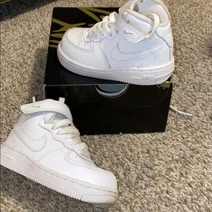 White nike toddler sneakers